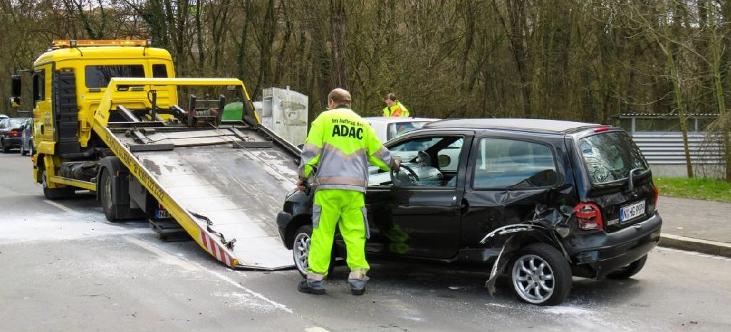 Tipps: Was ist bei einem Verkehrsunfall im Urlaub zu tun?