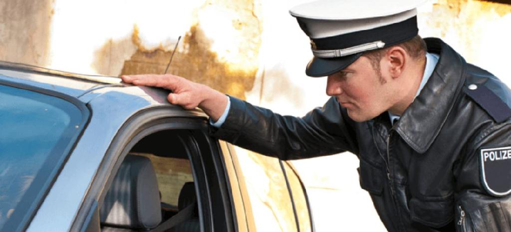 Unfall ohne Führerschein – welche Konsequenzen drohen?