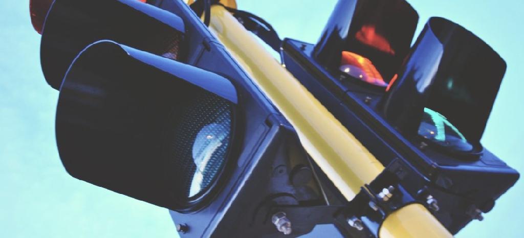 Rote Ampel überfahren: Welche Strafe ist zu erwarten?